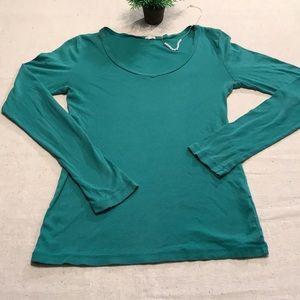 J Crew long sleeved v neck green t-shirt M